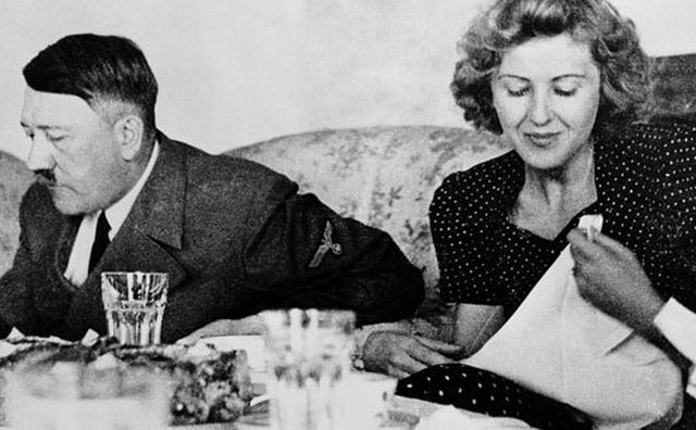 Asa intretinea relatii intime Adolf Hitler! Practica halucinanta prin care dictatorul nazist ajungea la orgasm. Ce ii facea iubitei sale