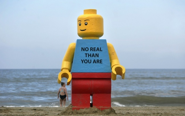 Obiecte ciudate pe care marile si oceanele le-au aruncat pe plaje!