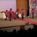 Momente indecente cu fetite de 12 ani pe o scena de la Balul Bobocilor din Roman