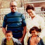 Michelle Obama, in copilarie, impreuna cu parintii ei, Marian Shields Robinson si Fraser C. Robinson, si fratele ei, Craig