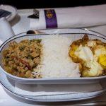 Acestea sunt singurele doua alimente pe care ar trebui sa le mananci in avion