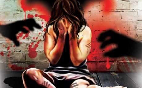 Violata de iubitul mamei, la doar 11 ani. Victima a dezvaluit trofeul bolnav pe care Robert l-a pastrat de la primul viol