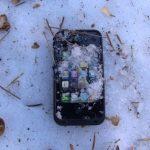 Ce trebuie sa faci urgent daca ti-ai scapat smartphone-ul in zapada
