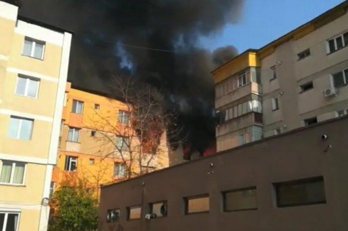 Explozie intr-un bloc din Piatra Neamt. Apartamentele au luat foc VIDEO