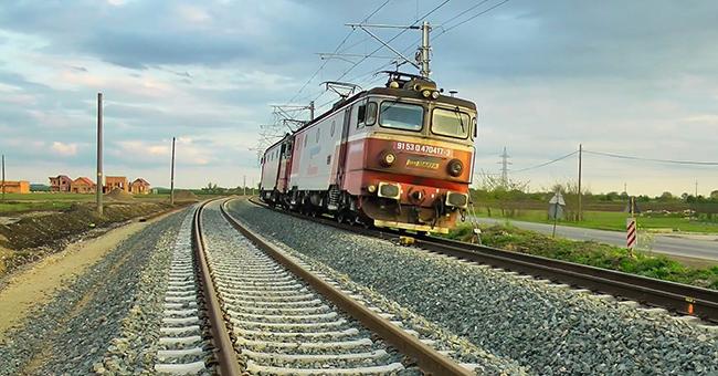 Moarte TRAGICA pentru un adolescent din Onesti! A fost electrocutat pe calea ferata din cauza unui SELFIE