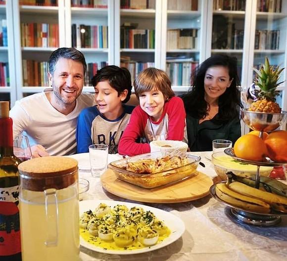 Copiii lui Andi Moisescu s-au facut mari. Ce frumosi sunt David si Luca (4)