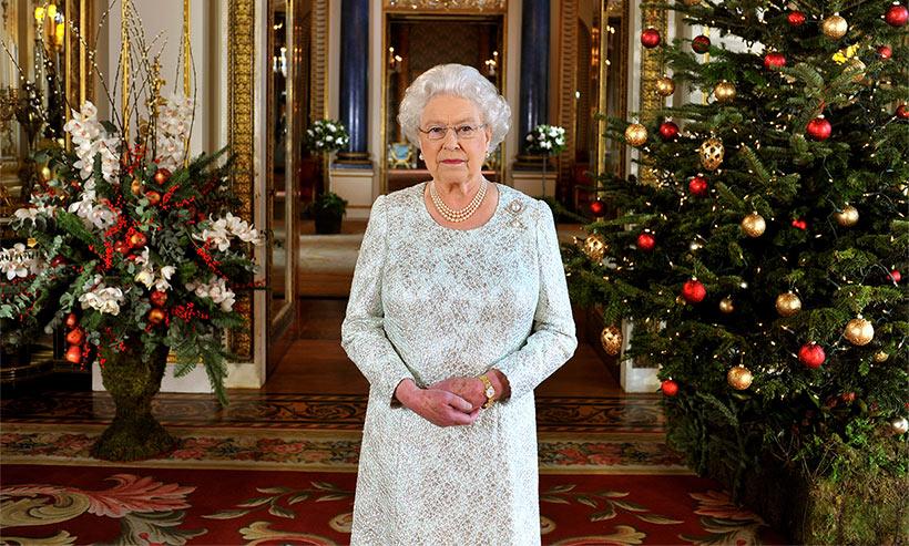 Palatul Buckingham a fost decorat pentru Craciun. Arata FABULOS (6)
