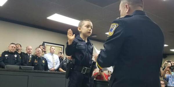 Fata de 6 ani a devenit ofiter de politie onorar (4)