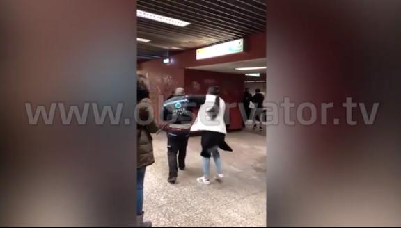 bataie intre tigani si agentii de paza in statia de metrou Basarab 10