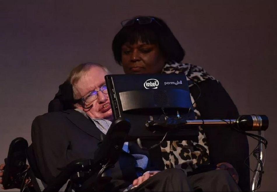 Asistenta care l-a ingrijit pe Stephen Hawking ar putea ajunge la inchisoare (1)