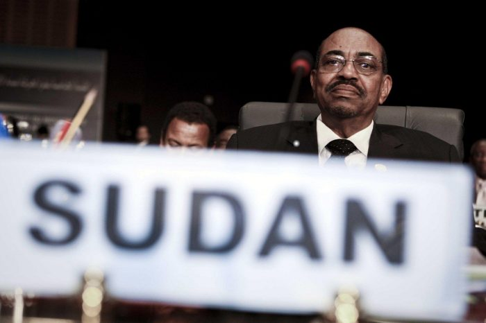 Presedintele Omar al-Bashir a fost destituit si arestat. Ce se intampla in Sudan
