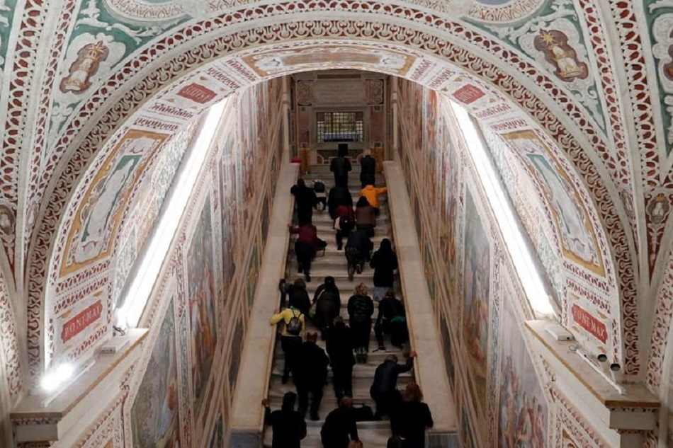 Scara pe care Iisus a urcat in Ierusalim se afla la Roma (5)