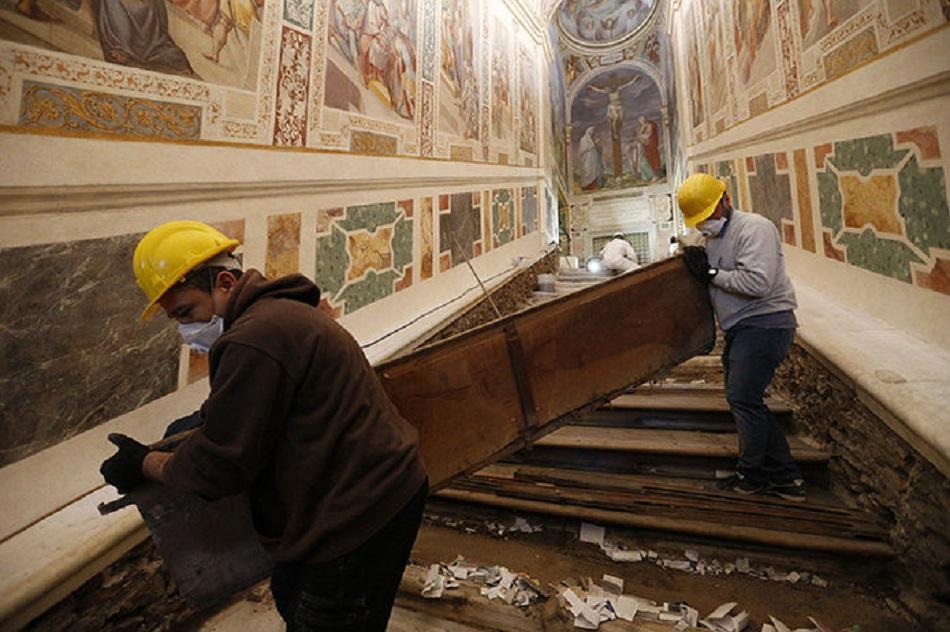 Scara pe care Iisus a urcat in Ierusalim se afla la Roma (9)