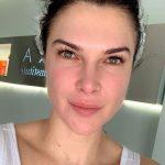 Monica Barladeanu s-a pozat fara machiaj