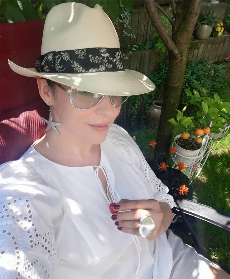 Andreea Marin locuieste cu iubitul ei, de 1 an!