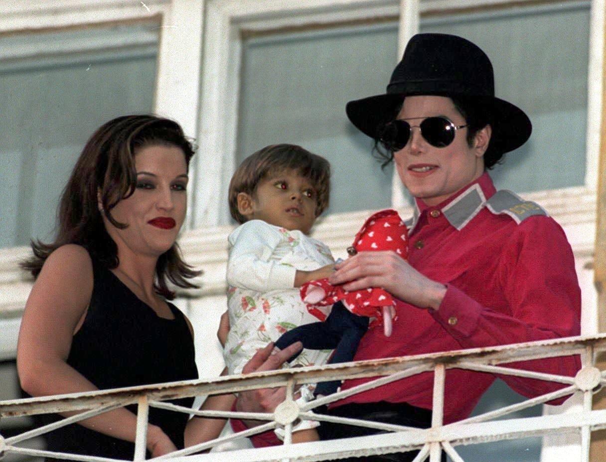Michael Jackson nu a facut sex cu Lisa Marie Presley