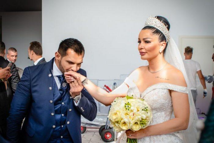 Inelul de logodna al lui Brigitte Sfat e superb! Bruneta l-a afisat doar la nunta FOTO