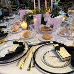 Aranjamentul meselor si cadourile pentru invitati