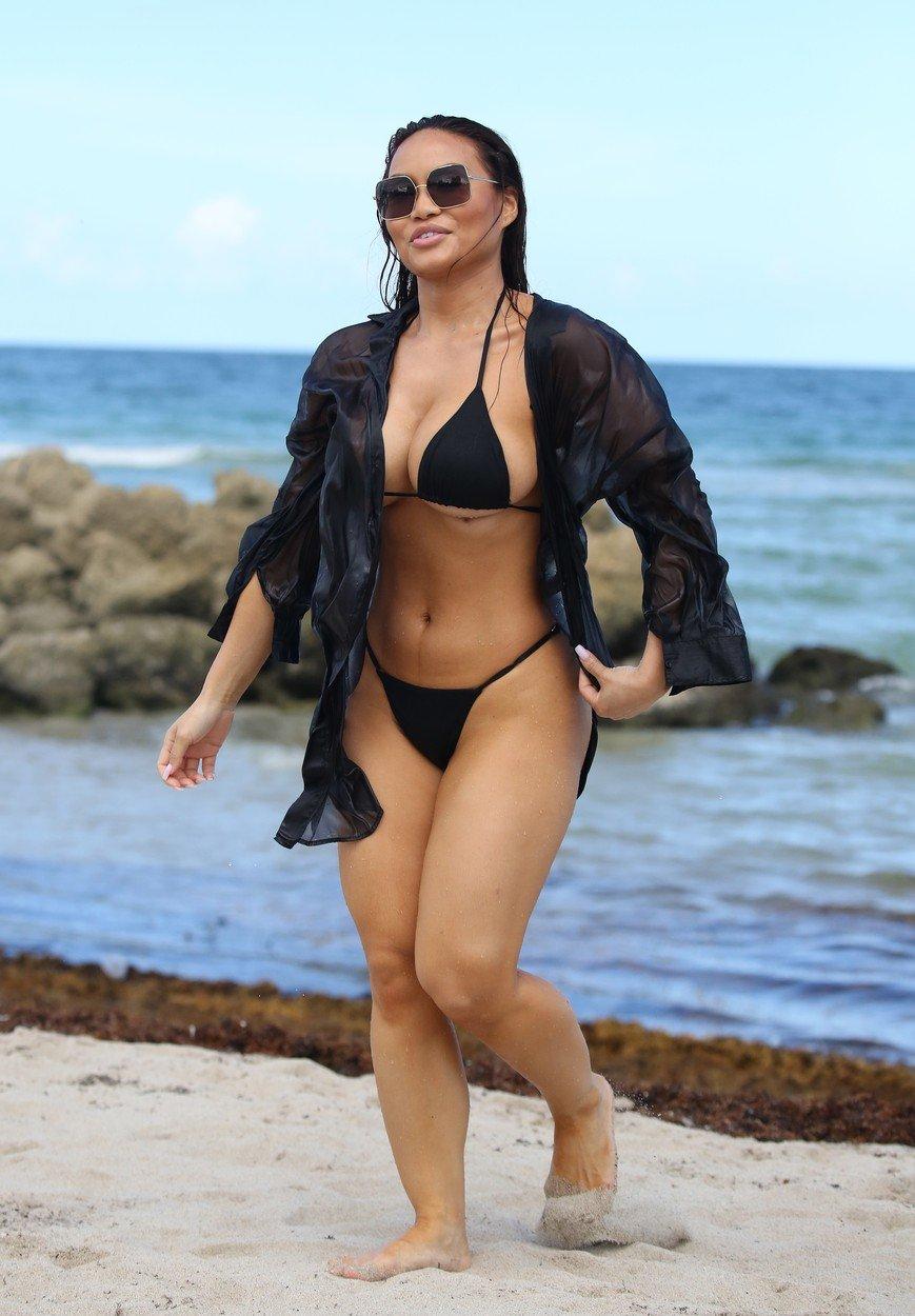 Un celebru model de lejerie intima a innebunit barbatii pe plaja