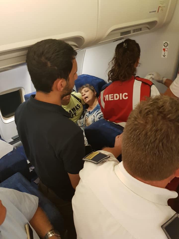 scandal in avion Tarom cursa Cairo 8