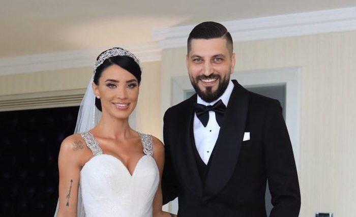 Adelina Pestritu s-a casatorit cu Virgil Steblea. Prima poza cu cei doi miri. Rochia ei e superba!