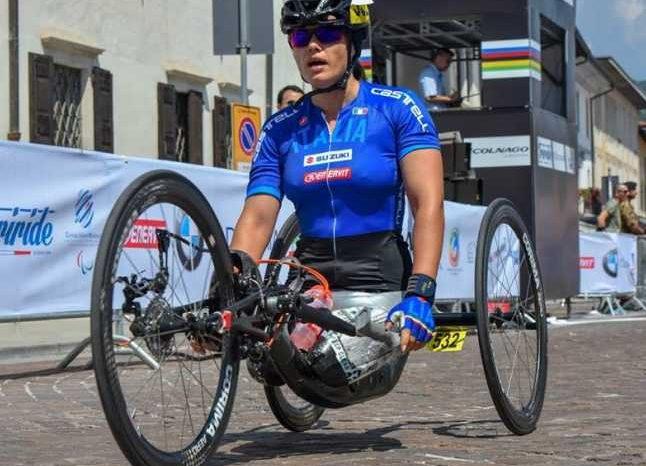 """Romanca fara picioare, campioana in Italia la hand-bike! La 17 ani un tren i-a retezat ambele picioare! """"Pot spune ca am reusit in viata!"""""""