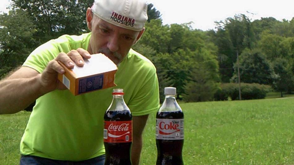 Ce se intampla cand amesteci bicarbonat de sodiu cu Cola