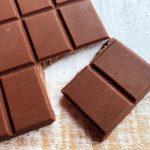 De ce se albeste ciocolata