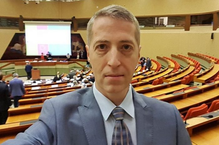 """Radu Herjeu, declaratie acida despre fata care a spus ca a fost sechestrata: """"Ce-ar fi sa ducem imbecila la scoala de corectie?"""""""