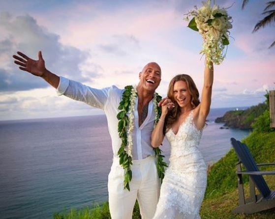 "Dwayne ""The Rock"" Johnson s-a casatorit dupa 12 ani de relatie"
