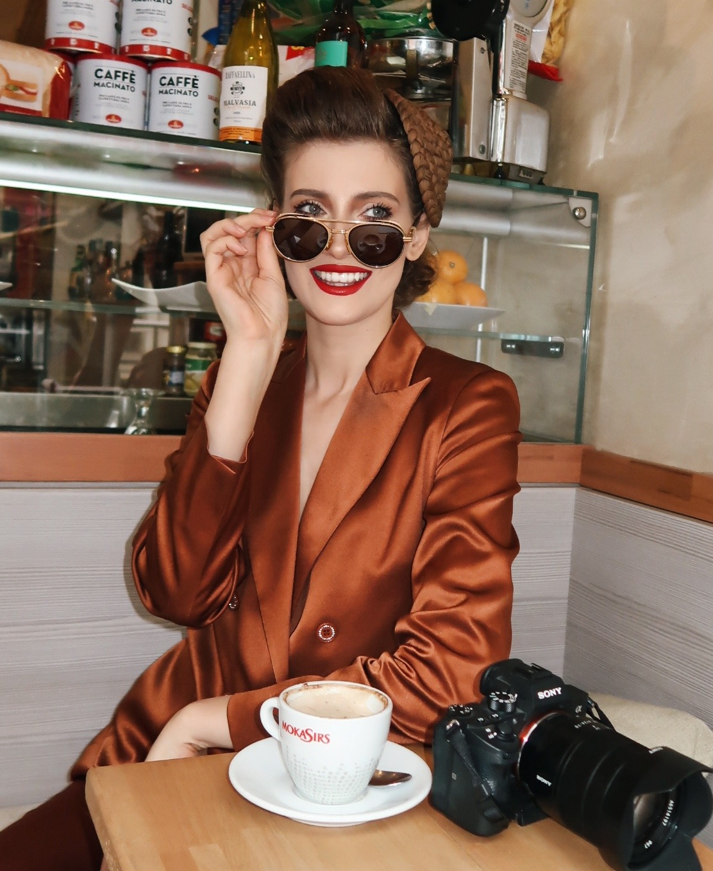 Iulia Albu, ochelari de 5000 de euro (2)