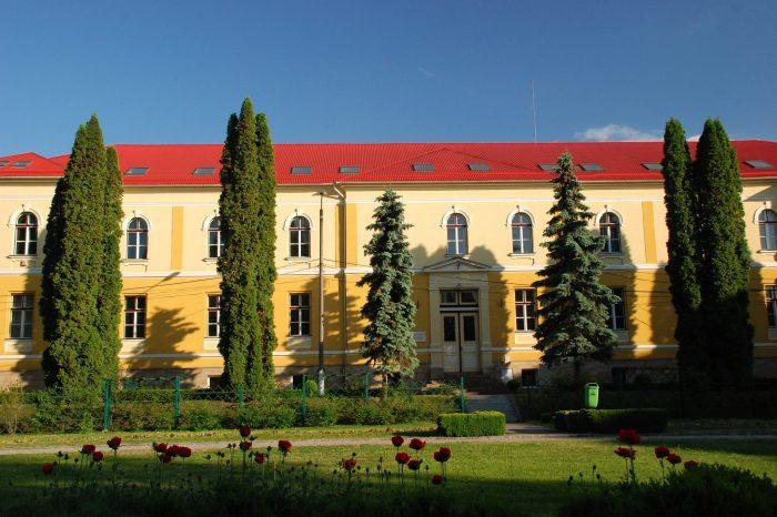 Studenţi şi angajaţi ai Facultății de Medicină Veterinară din Cluj, diagnosticaţi cu febră Q
