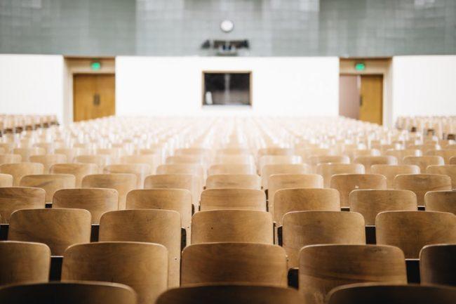 S-a stabilit numărul de ore pentru cele trei cicluri din învățământul preuniversitar