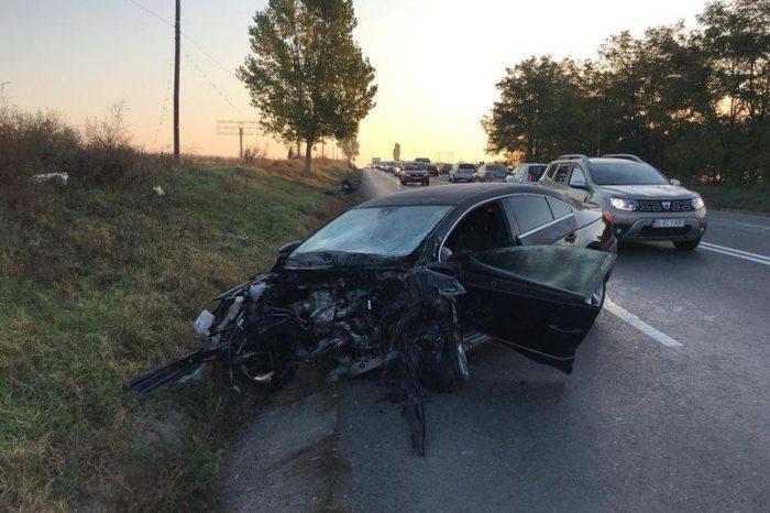 """Un alt accident mortal in Romania! Doua persoane au decedat iar alte doua sunt grav ranite: """"Motorul a sarit la 20 de metri de locul impactului"""" VIDEO"""