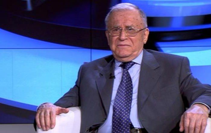 Fostul președinte Ion Iliescu a fost internat la Spitalul de Urgență Elias