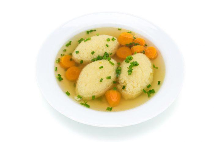 Supă de găluște. 5 rețete de supă de găluște