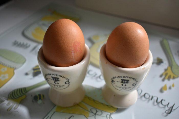 Bărbat mort după ce a consumat 41 de ouă. Încerca să câștige un pariu, însă i-a fost fatal